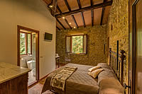 holiday rooms with private bathroom near siena