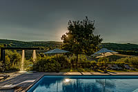 farmhouse with pool and panoramic view san gimignano