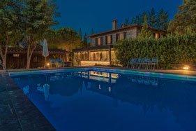 Bed and Breakfast with pool near Siena Tuscany