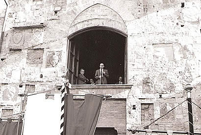 Ivo Fanciullini, the window of the Mayor at an event April 25 (Liberation Day)